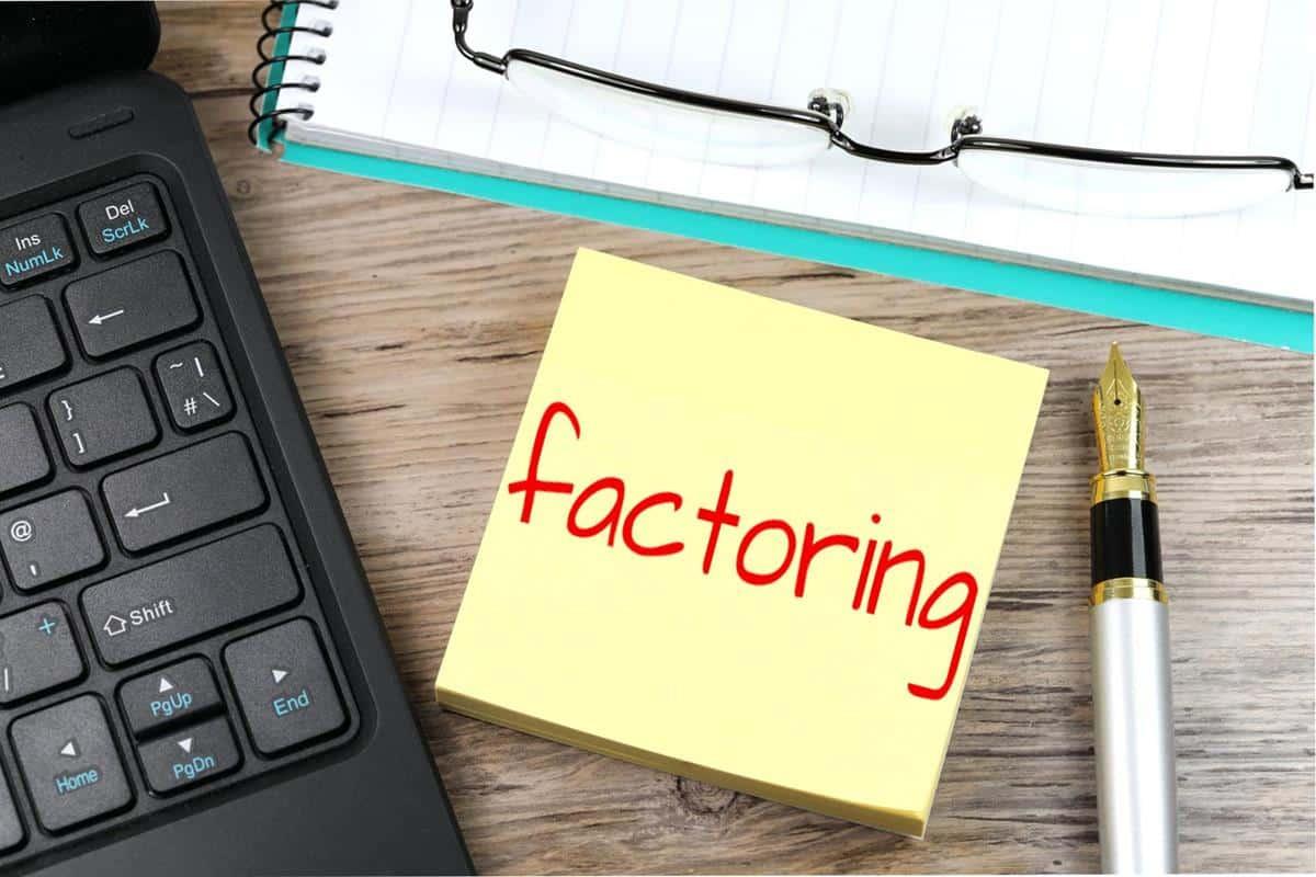 Quels sont les avantages de l'affacturage pour une entreprise par rapport à un financement traditionnel?