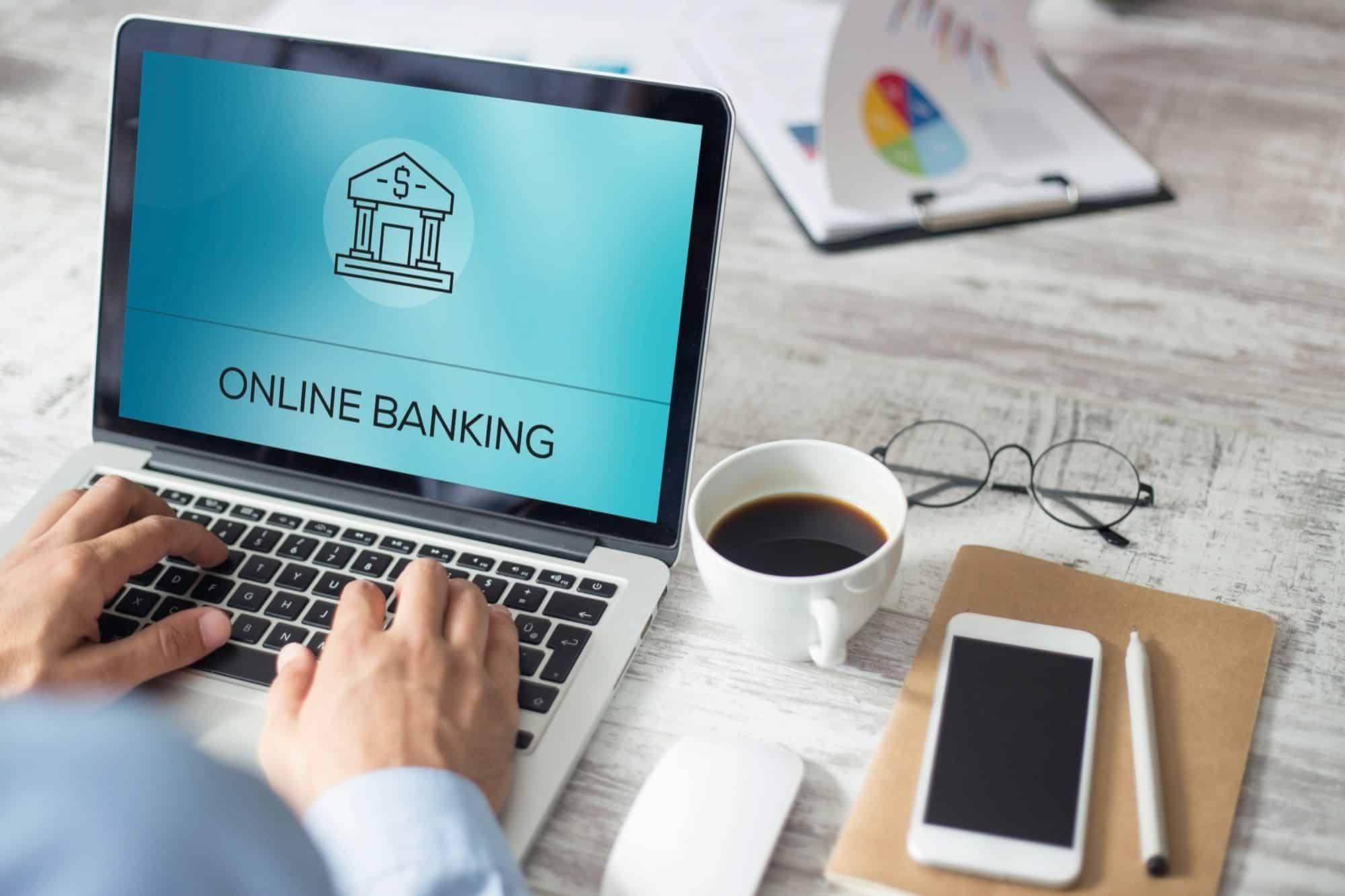 Logo de banque en ligne sur un ordinateur